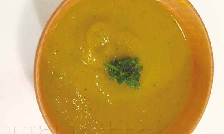 【美髪レシピ】根菜であたたまる。腎臓ケアでホルモン↑upの薬膳スープ「カボチャと人参のポタージュ」