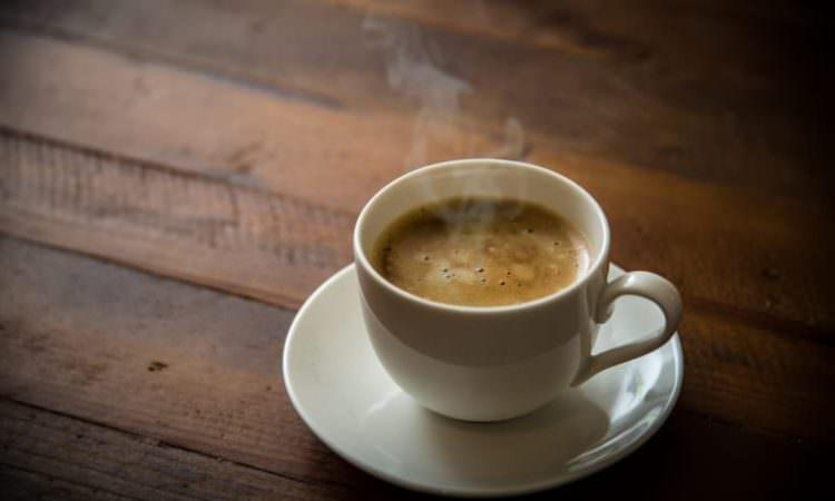 コーヒーや緑茶は本当に体を冷やす? ~美髪のための養生のすすめ⑪~