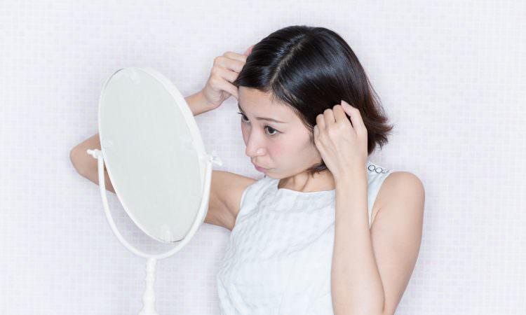 原因はなに?…10代、20代の女性にも増えている、抜け毛の悩み